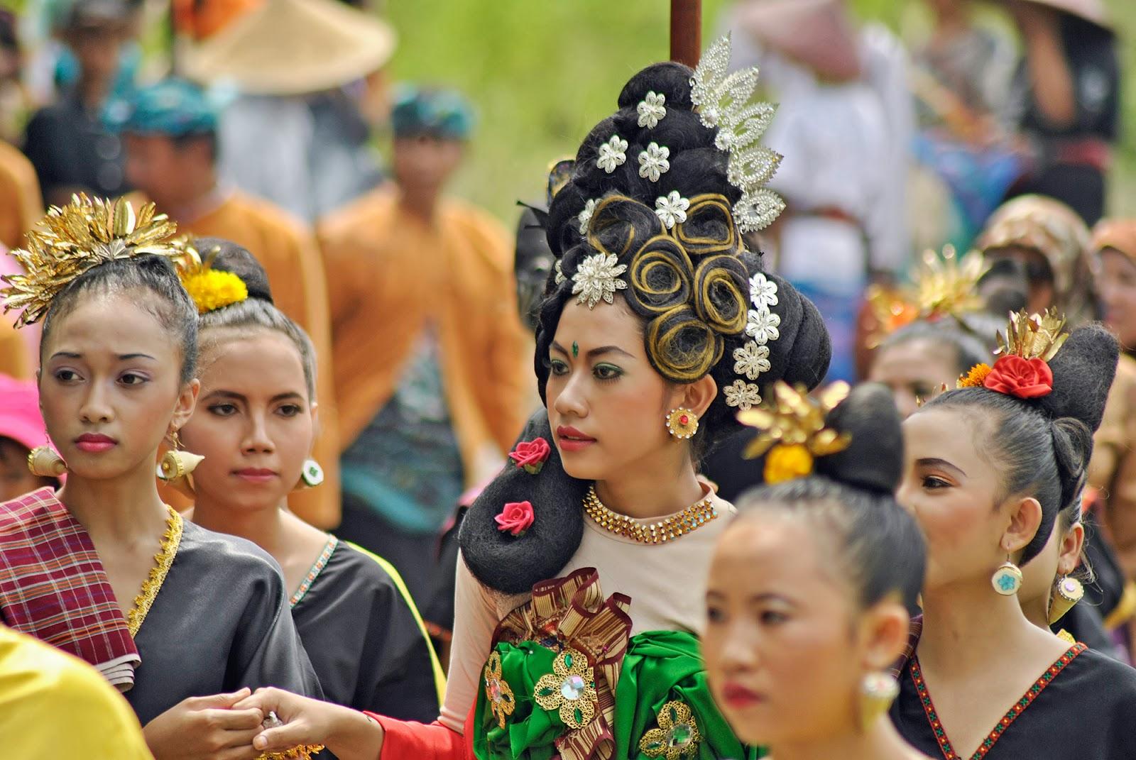 Festival Bau Nyale di Pantai Seger, Kuta Lombok
