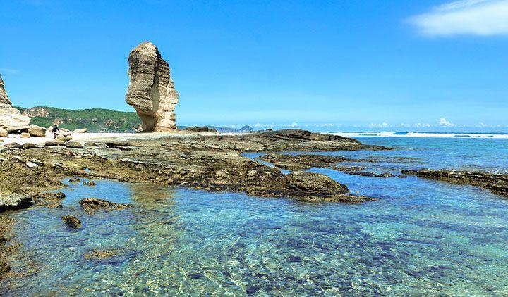 Pantai Batu Payung, Kuta, Lombok Tengah