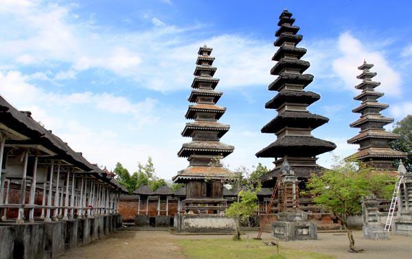Pura Meru, Cakranegara, Lombok
